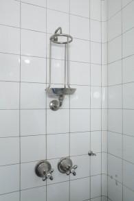 Titel: 136 Badezimmer privat 49 x 74 cm